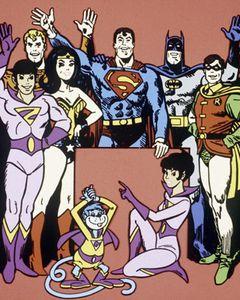 スーパーマンとワンダーウーマン、出会いサイトのMatch.comに登録!