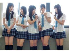 NMB48初の写真集!素の表情を見せるメンバーだけの女子校!