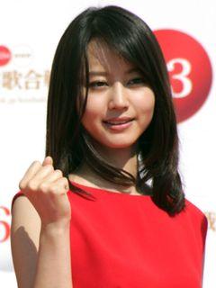 今年の紅白司会は「梅ちゃん先生」堀北真希と3年連続の嵐に決定!