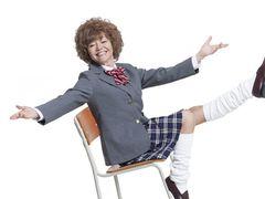 女子高生・木の実ナナ、解禁!ルーズソックス履いてます!