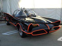 「バットマン」初代バットモービル 約4億円で落札