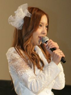 AKB48卒業の板野友美、ファンにあいさつ!映画内発表は「板野らしい」と秋元康も快諾