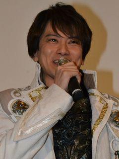 「牙狼」シリーズ卒業の小西遼生、雨宮監督の熱い言葉に涙!