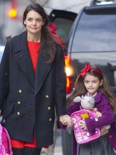 トムとケイティの6歳の娘スーリ ママのお化粧品を隠れて使用