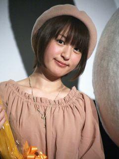 人気声優・小松未可子、憧れのミッフィーに感激!