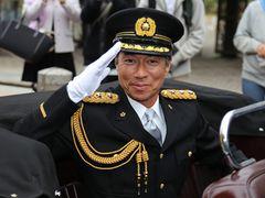 柳葉敏郎、湾岸署長に! 「室井さん」の制服姿にファン熱狂!