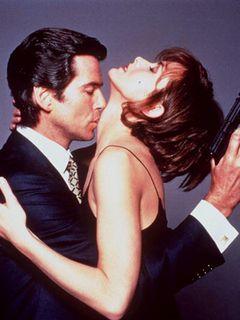 『007/ゴールデンアイ』原案、マイケル・フランス氏死去 享年51歳