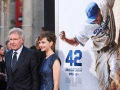 歴代野球映画最高のヒット!新作 『42』 が首位に! -4月15日版