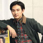 松田龍平、悪戦苦闘の一人舞台あいさつに挑んだ瑛太をいたわる
