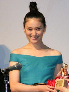 武井咲、松坂桃李への片思いに言及?「役として」を強調