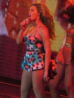 ビヨンセのコンサートでファンが彼女のお尻をたたくハプニング