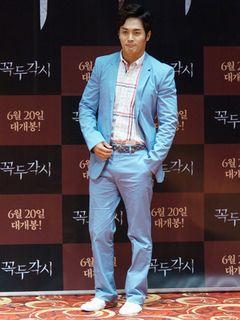 『繰り人形』イ・ジョンス、6年ぶりの映画出演で全裸演技<韓国JPICTURES>