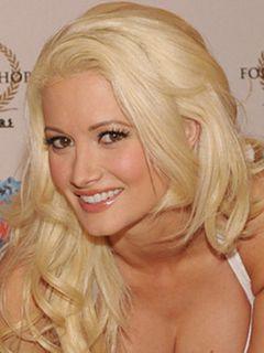 娘をレインボー・オーロラと名付けた元プレイボーイ・モデル、ホリー・マディソンが婚約