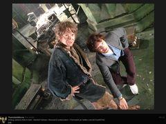 「SHERLOCK(シャーロック)」コンビの『ホビット』オフショット公開!ベネディクトがマーティンの足にタッチ!