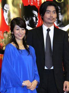 白石美帆が看護師、バーテンダー、レザースーツまでコスプレ披露!小澤征悦と共演のNHKドラマで