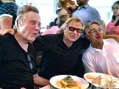 デ・ニーロ70歳の誕生会にレニー・クラヴィッツが楽曲提供!