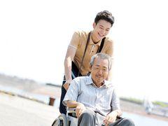 寺尾聰、45年ぶりに昏睡状態から目覚めた男に…岡田将生と初共演