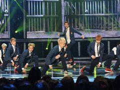 EXO、快進撃!「SHOW CHAMPION」のチャンピオンソングに<韓国JPICTURES>