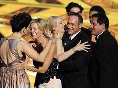 第65回エミー賞発表 「ブレイキング・バッド」が最優秀ドラマに