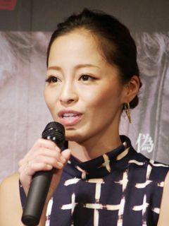 小森純、引退も考えていた…10か月ぶり会見で騒動を謝罪