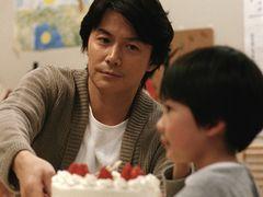 『そして父になる』100万人突破でV2!松本人志『R100』は初登場7位!