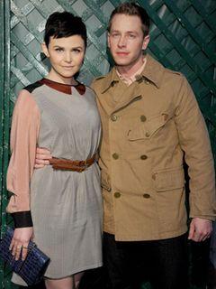 「ワンス・アポン・ア・タイム」の白雪姫とチャーミング王子が婚約