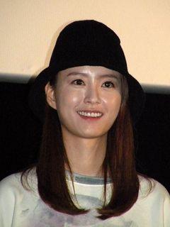 韓国の異才ホン・サンス監督の新作が上映 主演女優が舞台あいさつ
