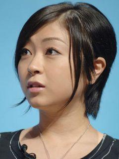 宇多田ヒカル、藤圭子さん死後初のラジオ放送「わたしは大丈夫」