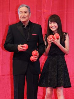 『SPEC』有村架純&竜雷太、ステージ上でもラブラブぶりを披露