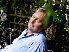 イギリスのコメディー俳優ジョン・フォーチュンさん、74歳で死去