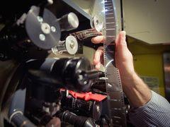 米パラマウント、フィルムでの配給を終了へ 大手映画スタジオとして初の決断