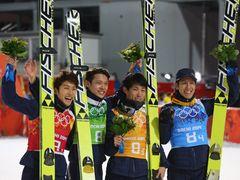 スキージャンプ団体銅メダルにガチャピンも興奮!「飛んだ、飛んだ、飛んだ、飛んだー!」