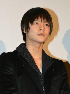 ブレイク中の俳優・窪田正孝、舞台あいさつでの堂々たるトークを絶賛される!