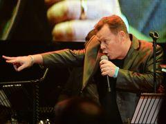 英バンドUB40のコンサート、爆音すぎて約30人の観客が退場