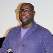 """『それでも夜は明ける』でオスカー受賞のマックィーン監督、""""黒人初""""と呼ばれることは「無意味」"""