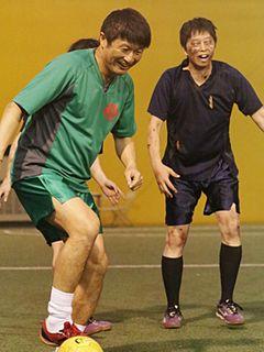 元サッカー日本代表・武田修宏、ゾンビとフットサル対決で大活躍!