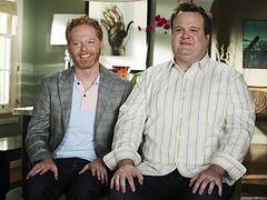「モダン・ファミリー」ミッチェルとキャメロンの同性婚を記念し、テレビ局が一般カップルの結婚費用を負担