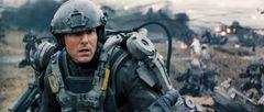 トム・クルーズが戦い、死ぬ!人気ラノベのハリウッド実写化、IMAX予告編が公開