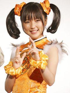 真野恵里菜、「鉄拳」リン・シャオユウのコスプレ姿でファンを魅了!