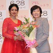 安倍昭恵夫人、来日したボリウッド映画トップ女優を花束で歓迎