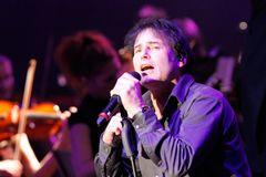 『ロッキー4』主題歌バンド・サヴァイヴァーのボーカル死去