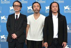 塚本晋也監督『野火』ベネチア公式会見で「ブラボー!」の声!