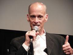 ジョン・ウォーターズ監督が映画『セシル・B/ザ・シネマ・ウォーズ』を振り返る!