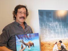 オーストラリアの砂漠2,700キロを旅した女性を描いた映画とは?