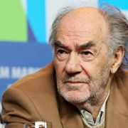リヴァー・フェニックス幻の遺作『ダーク・ブラッド』監督、82歳で死去