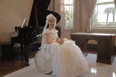 黒木華、初ウエディングドレスに「とても幸せ」