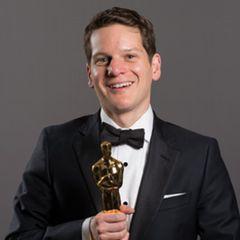アカデミー賞授賞式で自殺未遂の体験を告白した脚本家が、カンバーバッチの名シーンを明かす