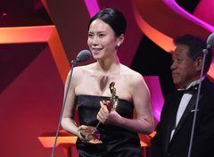 中谷美紀の流ちょうな英語スピーチに拍手喝采 アジアのアカデミー賞で受賞