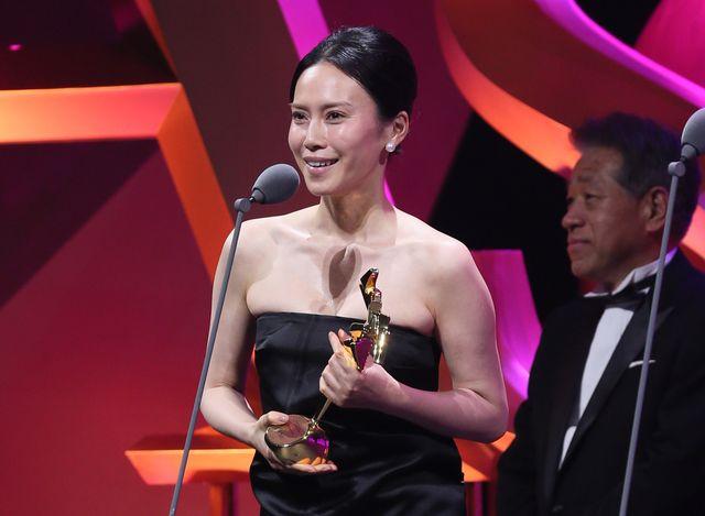 中谷美紀の流ちょうな英語スピーチに拍手喝采 アジアのアカデミー賞で ...