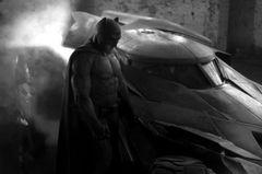 『バットマン v スーパーマン』予告編、公式発表前にネット流出?